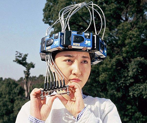 copricapo-con-telecamera-incorporata-chindogu-invenzioni-giapponesi