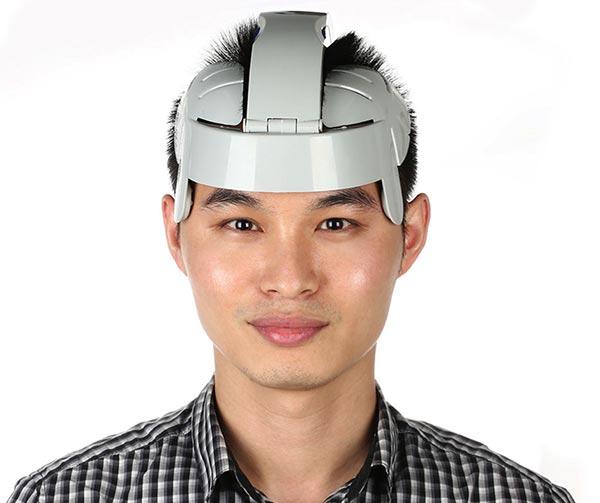 elmetto-massaggiatore-per-teste-intellettuali-chindogu-invenzioni-giapponesi