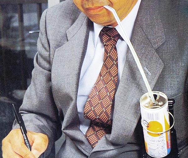 porta-lattina-da-taschino-chindogu-invenzioni-giapponesi