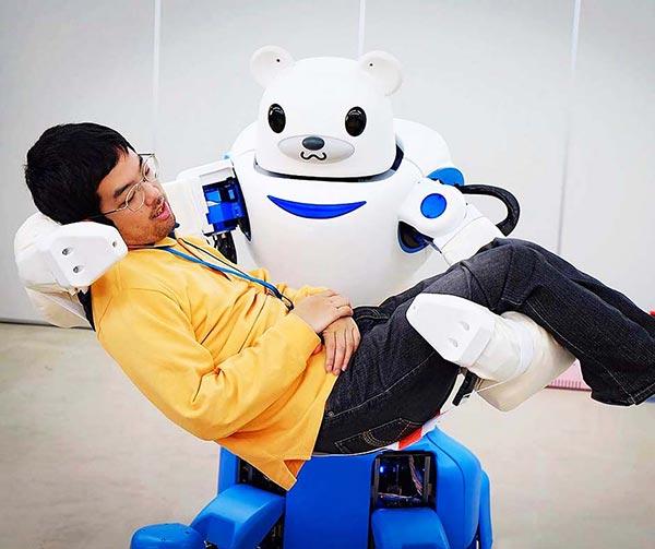 robot-badante-anziani-invalidi-usanze-giapponesi