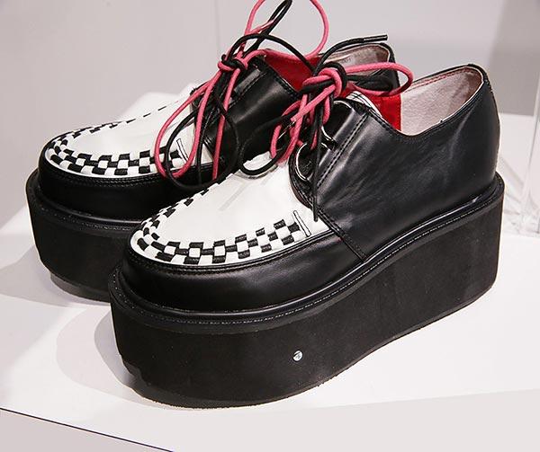 scarpe-con-miniapirapolvere-incorporato-chindogu-invenzioni-giapponesi
