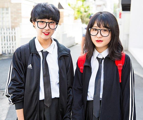 school-girls-japanese-style