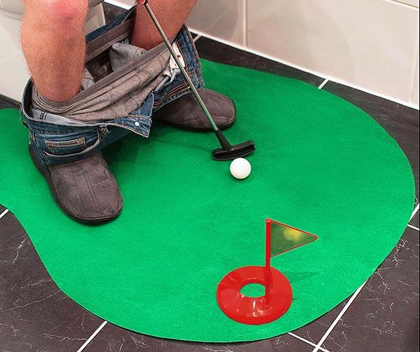 set-golf-da-toilette-chindogu-invenzioni-giapponesi