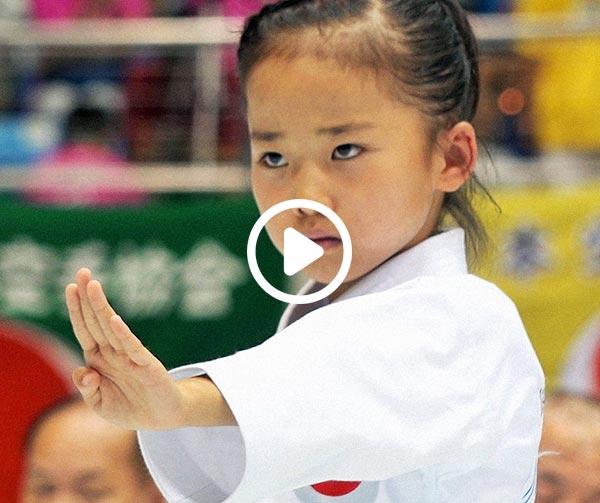mahiro-takano-baby-karateka-personaggi-bizzarri-giapponesi