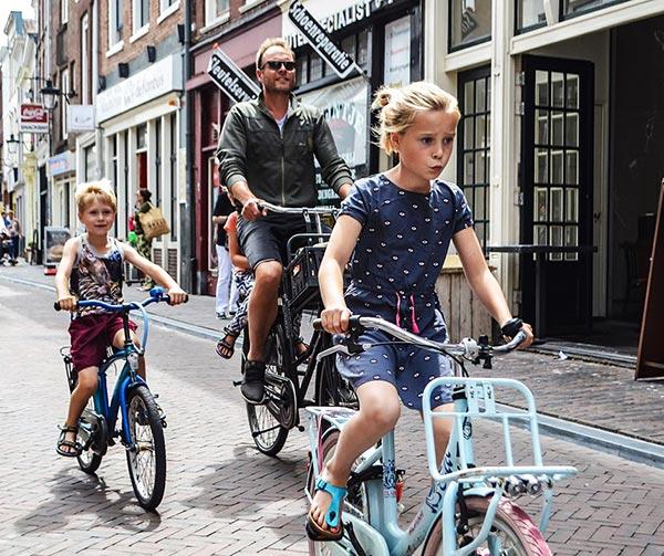 amsterdam-bicicletta-usi-costumi-olanda