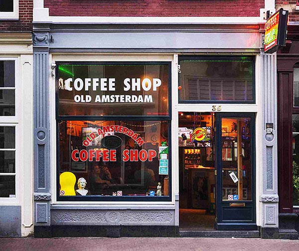 coffee-shop-amsterdam-usi-costumi-olanda