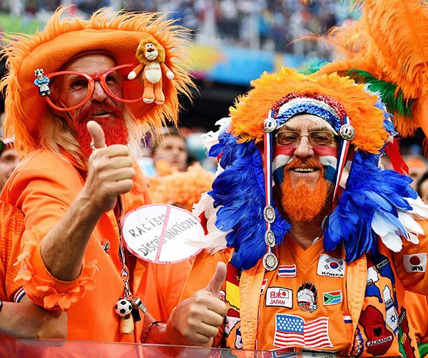 tifosi-olanda-orange-personaqgi-olandesi