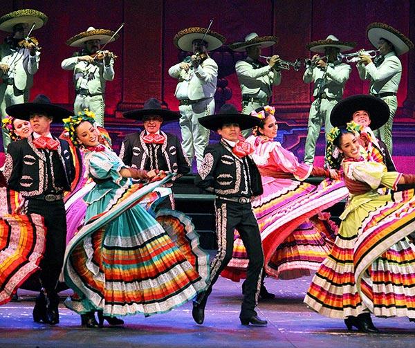 jarabe-tapatío-danza-costumi-usanze-messicane