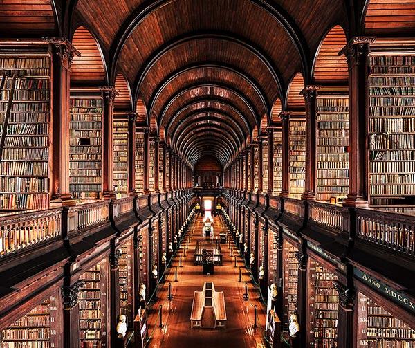Trinity-College-Library-Dublin-cose-pop-irlandesi