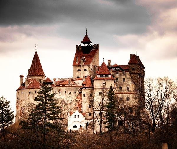 castello-dracula-usi-costumi-rumeni