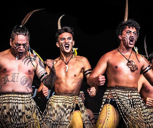 haka-usi-costumi-neozelandesi