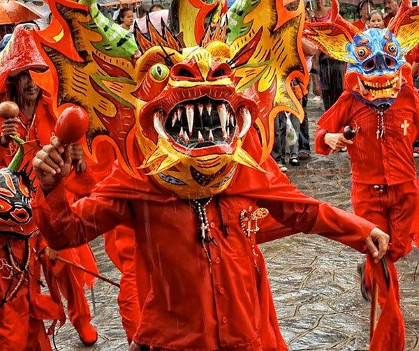 diavoli-danzanti-usi-costumi-venezuelani